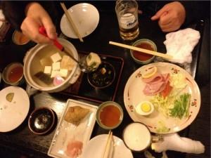 これが京都の湯豆腐かぁ~!タレがなんとも味わい深い!!