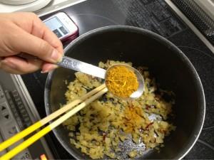 カレー粉はよく炒めないと粉っぽくなるみたい!要注意!!