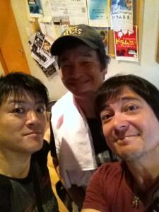 尾藤さん、そんな優しい顔もできるんだぁ・・・。